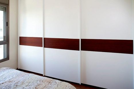 ארונות קיר בהתאמה אישית לחדר השינה