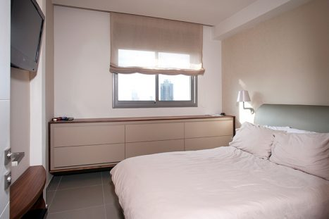 שידה בהתאמה אישית לחדר השינה בסגנון מודרני