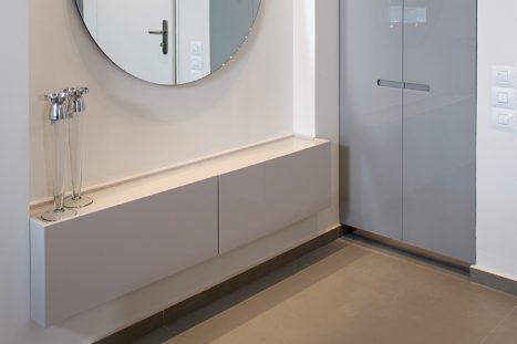 נגרות לחלל משרדי בהתאמה אישית בסגנון מודרני